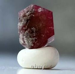 1.8 ct. Rare Red Beryl Emerald Gemstone Specimen from Utah beads. Of. Babylon