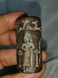 Very old near Eastern rare stone, cylinderseal bead